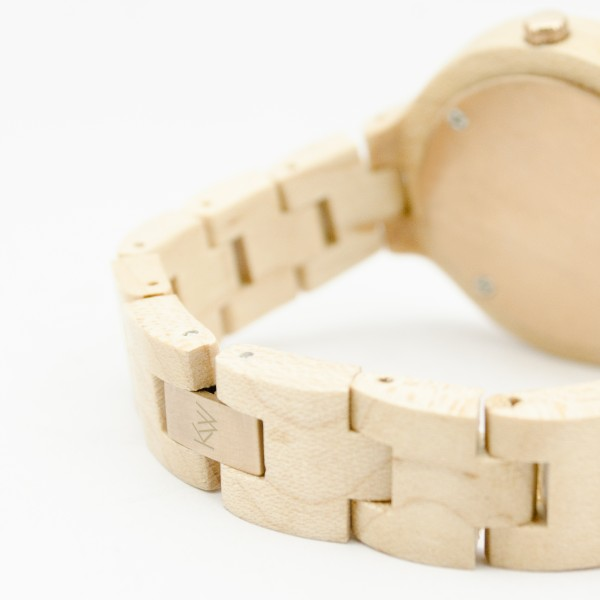 Kate-Wood-womens-wooden-watch-Milan-buy-wooden-watch-light-sandalwood-and-rose-details-at-Kate-Wood-webshop-front-white-plate-rear-closed-600×600